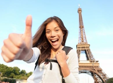 paris-guide-locals-how-to-be-friendly-to-tourists-390x285